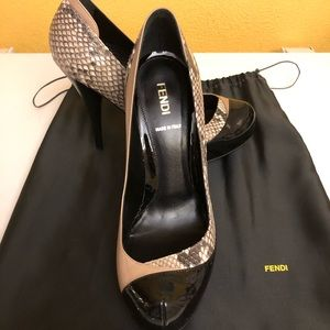 New Fendi tan/snake/black pumps